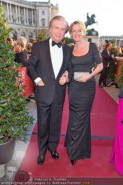 Romy Gala - Red Carpet - Hofburg - Sa 21.04.2012 - 80