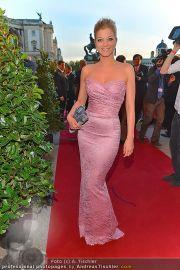Romy Gala - Red Carpet - Hofburg - Sa 21.04.2012 - 84