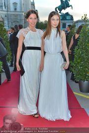 Romy Gala - Red Carpet - Hofburg - Sa 21.04.2012 - 90