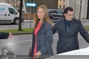 Autogrammstunde - Lugner City - Mi 06.02.2013 - 2