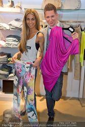Late Night Shopping - Mondrean - Fr 19.04.2013 - 56