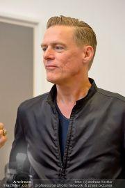Bryan Adams - Galerie Ostlicht - Di 18.06.2013 - 21