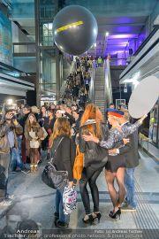 Metro Boutique - U-Bahn Volkstheater - Do 26.09.2013 - 14