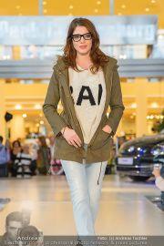 1-Jahresfeier - G3 Shoppingcenter - Fr 18.10.2013 - 142