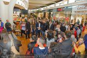1-Jahresfeier - G3 Shoppingcenter - Fr 18.10.2013 - 98