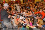 Sido Autogrammstunde - G3 Shoppingcenter - Sa 09.11.2013 - 6
