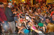 Sido Autogrammstunde - G3 Shoppingcenter - Sa 09.11.2013 - 89
