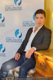 Rick Yune Fototermin - Grand Hotel - Mo 02.12.2013 - 3