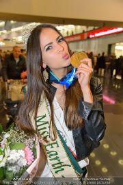 Ankunft Miss Earth - Flughafen - Fr 20.12.2013 - 11