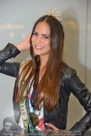 Ankunft Miss Earth - Flughafen - Fr 20.12.2013 - 17