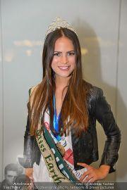Ankunft Miss Earth - Flughafen - Fr 20.12.2013 - 18