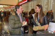 Ankunft Miss Earth - Flughafen - Fr 20.12.2013 - 19