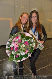 Ankunft Miss Earth - Flughafen - Fr 20.12.2013 - 20