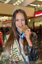 Ankunft Miss Earth - Flughafen - Fr 20.12.2013 - 3