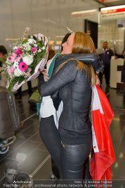 Ankunft Miss Earth - Flughafen - Fr 20.12.2013 - 5