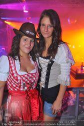 Dirndl Clubbing - Österreichhallen - Sa 16.11.2013 - 10