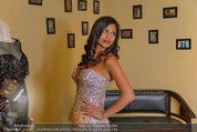 Lugner Ballkleid Anprobe - Modehaus prominent - Di 18.02.2014 - Nina Bambi BRUCKNER12