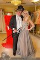 Lugner Ballkleid Anprobe - Modehaus prominent - Di 18.02.2014 - Crazy Cathy SCHMITZ, Richard LUGNER mit Frack19