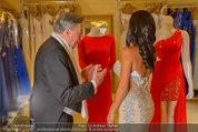 Lugner Ballkleid Anprobe - Modehaus prominent - Di 18.02.2014 - Nina Bambi BRUCKNER, Richard LUGNER21