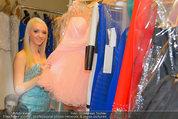 Lugner Ballkleid Anprobe - Modehaus prominent - Di 18.02.2014 - Crazy Cathy SCHMITZ26