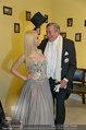 Lugner Ballkleid Anprobe - Modehaus prominent - Di 18.02.2014 - Crazy Cathy SCHMITZ, Richard LUGNER mit Frack35