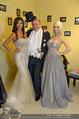 Lugner Ballkleid Anprobe - Modehaus prominent - Di 18.02.2014 - Nina Bambi BRUCKNER, Richard LUGNER, Crazy Cathy SCHMITZ37