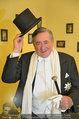 Lugner Ballkleid Anprobe - Modehaus prominent - Di 18.02.2014 - Richard LUGNER im Frack38