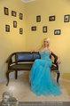 Lugner Ballkleid Anprobe - Modehaus prominent - Di 18.02.2014 - Crazy Cathy SCHMITZ42