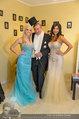 Lugner Ballkleid Anprobe - Modehaus prominent - Di 18.02.2014 - Nina Bambi BRUCKNER, Richard LUGNER, Crazy Cathy SCHMITZ43