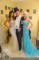 Lugner Ballkleid Anprobe - Modehaus prominent - Di 18.02.2014 - Nina Bambi BRUCKNER, Richard LUGNER, Crazy Cathy SCHMITZ44