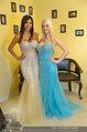 Lugner Ballkleid Anprobe - Modehaus prominent - Di 18.02.2014 - Crazy Cathy SCHMITZ, Nina Bambi BRUCKNER48