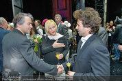Premiere ´Besuch der alten Dame´ - Ronacher - Mi 19.02.2014 - Uwe KR�GER, Lizzy Elisabeth ENGSTLER mit Freund Charly70