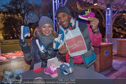 SuperFit - Rathausplatz - Mi 26.02.2014 - Sylvia GRAF, Alamande BELFOR mit Kinderschuhen19