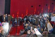 PK und Autogrammstunde - Lugner City - Do 27.02.2014 - Kim KARDASHIAN, Presse, Journalisten, Medienauflauf2