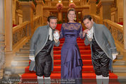 Opernball 2014 - Feststiege - Staatsoper - Do 27.02.2014 - Desiree TREICHL-ST�RGKH1