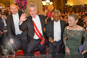 Opernball 2014 - Feststiege - Staatsoper - Do 27.02.2014 - Dominique MEYER, Heinz FISCHER, Kofi ANNAN161