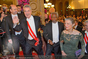 Opernball 2014 - Feststiege - Staatsoper - Do 27.02.2014 - Dominique MEYER, Heinz FISCHER, Kofi ANNAN162