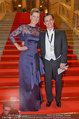 Opernball 2014 - Feststiege - Staatsoper - Do 27.02.2014 - Desiree TREICHL-ST�RGKH, Norman SCHENZ22