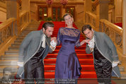 Opernball 2014 - Feststiege - Staatsoper - Do 27.02.2014 - Desiree TREICHL-ST�RGKH24