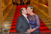 Opernball 2014 - Feststiege - Staatsoper - Do 27.02.2014 - Desiree TREICHL-ST�RGKH, Dominique MEYER30