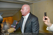 Opernball 2014 - das Fest - Staatsoper - Do 27.02.2014 - Situation um Schl�gerei Johannes B. KERNER, Begleiter, Ballgast98