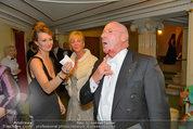 Opernball 2014 - das Fest - Staatsoper - Do 27.02.2014 - Situation um Schl�gerei Johannes B. KERNER, Begleiter, Ballgast101