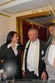 Opernball 2014 - das Fest - Staatsoper - Do 27.02.2014 - Richard LUGNER kommt mit deprimiertem Blick aus der Mittelloge124