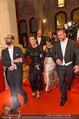 Opernball 2014 - das Fest - Staatsoper - Do 27.02.2014 - Kim KARDASHIAN, Kris JENNER am Heimweg128