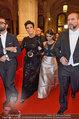 Opernball 2014 - das Fest - Staatsoper - Do 27.02.2014 - Kim KARDASHIAN, Kris JENNER am Heimweg130