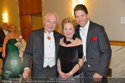 Opernball 2014 - das Fest - Staatsoper - Do 27.02.2014 - Familie Harald und Mausi Ingeborg SERAFIN mit Sohn Daniel230
