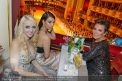Opernball 2014 - das Fest - Staatsoper - Do 27.02.2014 - Crazy Cathy SCHMITZ, Kim KARDASHIAN, Kris JENNER24