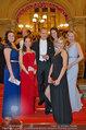 Opernball 2014 - das Fest - Staatsoper - Do 27.02.2014 - Oliver POCHER mit Damen277