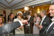 Opernball 2014 - das Fest - Staatsoper - Do 27.02.2014 - Situation um Schl�gerei Johannes B. KERNER, Begleiter, Ballgast58