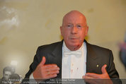 Opernball 2014 - das Fest - Staatsoper - Do 27.02.2014 - Situation um Schl�gerei Johannes B. KERNER, Begleiter, Ballgast95